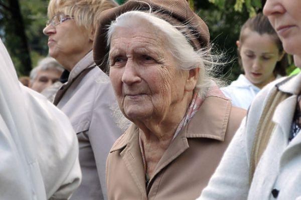 Россияне указали на обман властей при повышении пенсий