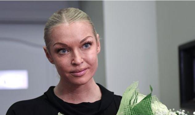 """Волочкова считает критикующих ее людей """"ущербными духом"""""""