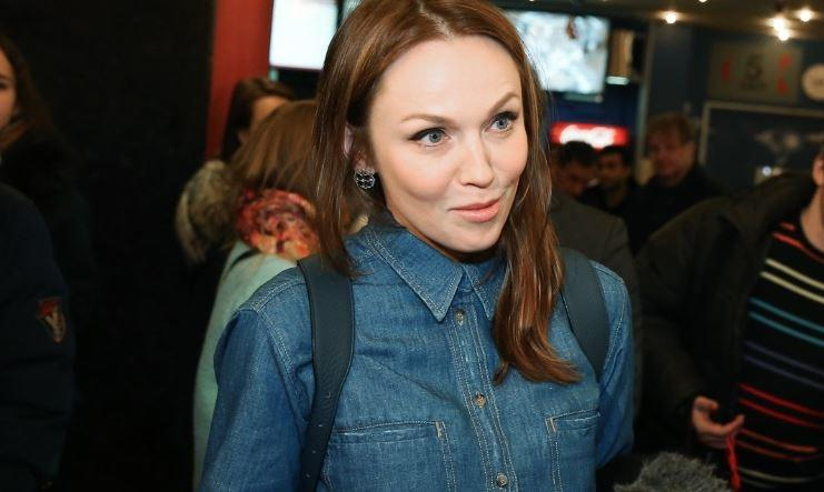 Джанабаева посетовала на лишние килограммы после отдыха в Европе