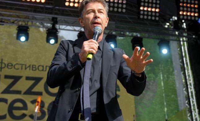 Сюткин пояснил реакцию Гагариной на выступление участника шоу «Голос»